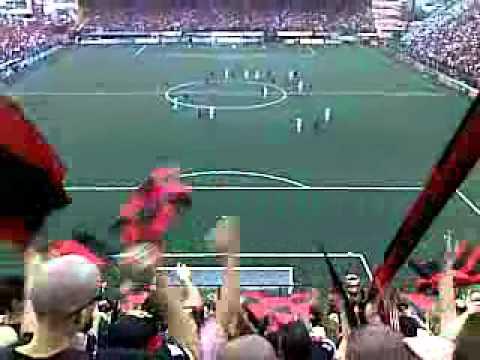 """La Banda Alajuelense - Para ganar la copa - La 12"" Barra: La 12 • Club: Alajuelense"