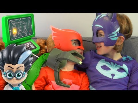 PJ Masks Romeo's Grab Attack Steals Lunch Money