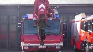 preview picture of video 'Nah dran: Berufsfeuerwehr Karlsruhe Feuerwache West'