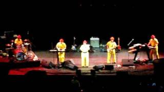 "Devo intro video & ""That's Good"" in Akron 10-17-08"