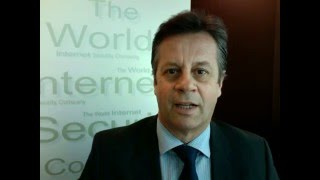 Carlos Moreira, Chairman & CEO WISeKey, speaker at GLFWCF congratulates Art of Living