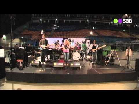 Krystl - Memories (live bij Evers Staat Op)