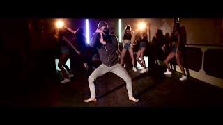 """Bailarín en el Videoclip del nuevo single de Lucia Love ft Miguel Saez - """"Felina"""".(C) Emec"""