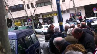 preview picture of video 'Agresión Policía mayores preferentes Leganés'