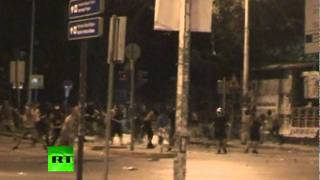 Night video: Flares & flash bombs fly in fresh Greece clashes