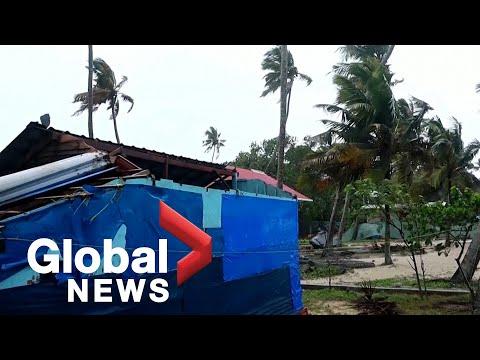 4 قتلى في إعصار بحر العرب