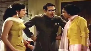 Girls Fight - Comedy Scene @ Janwar - Shammi Kapoor