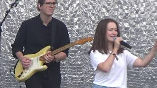 "Sigrid ""Basic"" Berlin Lollapalooza 07.09.19"
