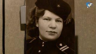 Руководители областной Думы поздравили ветерана Великой Отечественной войны Анну Александровну Соловьеву