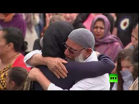 العرب اليوم - رئيسة وزراء نيوزيلندا تزور مسجدًا في العاصمة فيلينغتون