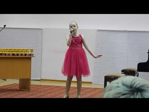 Колесова Ева. Поют дети. Юные таланты. Красивые голоса.
