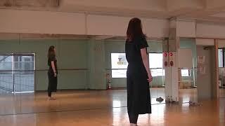 宝塚受験生のダンス講座~ストレッチ1~ロールダウン・ロールアップのサムネイル