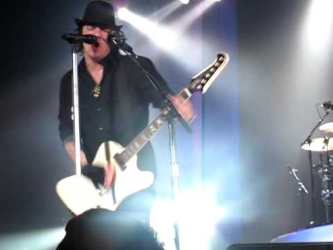 Three Days Grace - Take Me Under Live - Save-On-Foods Memorial Centre - Victoria BC