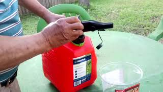 How to pour gas out of Scepter gas can