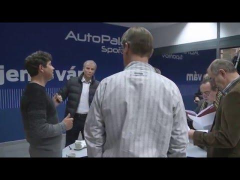 Básníky točili ve showroomu Auto Palace