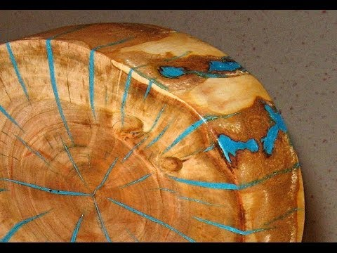 Leuchtende Baumscheiben-Deko - Mit Gießharz klappt es so