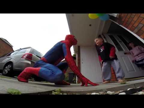 УДИВИТЕЛЬНЫЙ ПАПА - 5 летний сын , борющейся с раком, получает сюрприз