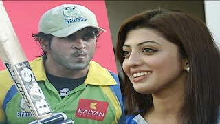 Rajeev Pillai Hits Smashing Boundary Shot for KeralaStrikers Vs KarnatakaBulldozers. Actresses Cheer