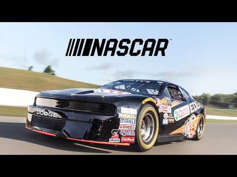 NASCAR Car Review – Here's What It's Like To Drive A Race Car