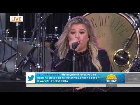 Kelly Clarkson - Love So Soft (The Today Show)
