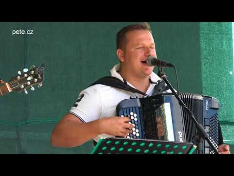 Nedělní odpoledne s dechovkou Hošna band v Sedlci-Prčici
