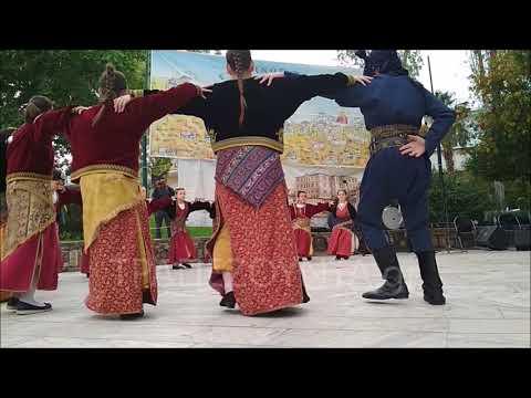 Εντυπωσίασαν τα χάταλα του «Εύξεινου Πόντου» Κορυδαλλού με τις χορευτικές τους ικανότητες