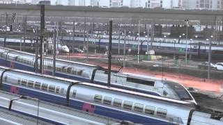 preview picture of video 'Tramway T3 et TGV à la Porte de Charenton'