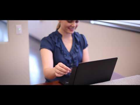Anbringung des PrivaScreen™ Blickschutzfilters mit Quick Reveal Tabs - deutsch