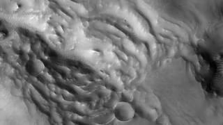 НАСА опубликовало сотни потрясающих снимков Марса