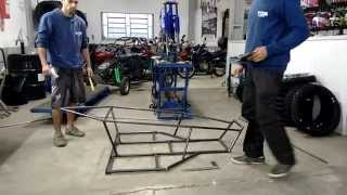 Kart Cross Construção Artesanal FASE 2 - Parte Central Do Chassi