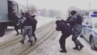 """Спецоперация ОМОН """"Шнурок"""". Только в России. Это шок! #tatstunt"""