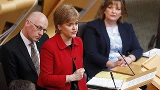 March 2017 - Scottish parliament backs bid for sec...