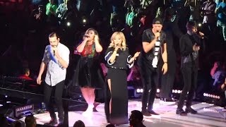 """Kelly Clarkson - """"Heartbeat Song"""" and """"Walk Away/Uptown Funk"""" [Ft. PTX] (Live in S.D. 8-16-15)"""