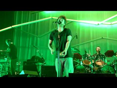 Thom Yorke and Atoms for Peace - Skip Divided - Roseland Ballroom, NYC 2010-04-05 HD