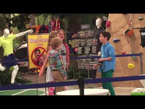 BTS Season 3 #301 2nd qtr 2016 Aidan Gallagher, Casey Simpson, Mace Coronel & Lizzy Greene