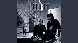 """Video thumbnail of """"I Muvrini - L'emigrante"""""""