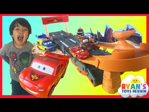 Disney Cars Lightning McQueen Toys Transforming Drift Race Track