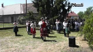 preview picture of video 'Rozmaring Néptánc Egyesület (Monostorpályi) - Pünkösdi Istentisztelet / Sáránd 2013'