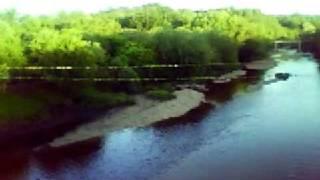 preview picture of video 'San Carlos Minas, Puente sobre el Balneario.'