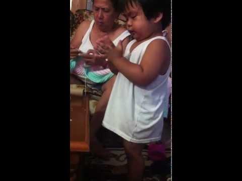 Unguento ng halamang-singaw sa kanyang mga paa
