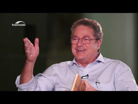 """O escritor Marcelino Freire fala do lançamento do livro """"Bagageiro"""""""