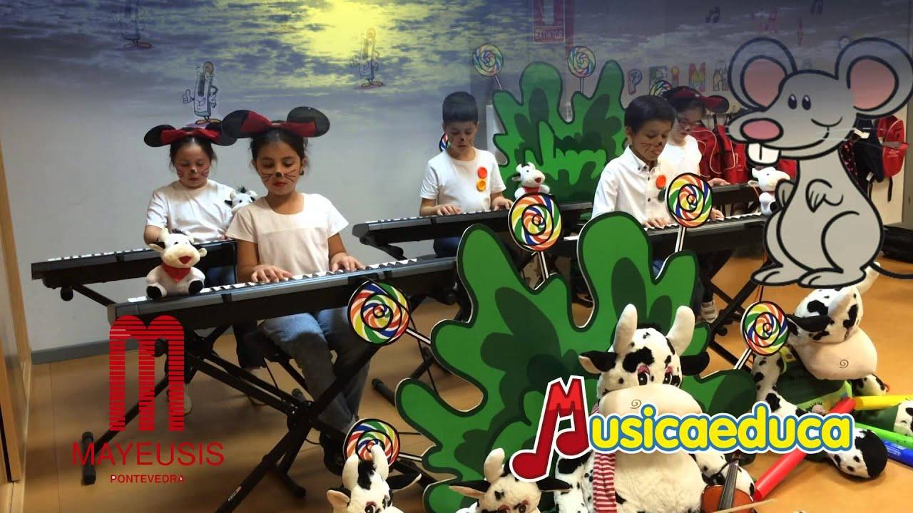 Debajo un botón - Grupo de alumnos de Mi Teclado 2 - Conservatorio Mayeusis