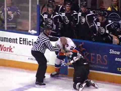Trevor Gillies vs Justin Johnson