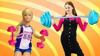 Барби занимается спортом. Готовимся к соревнованиям. Видео для детей.