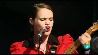 ANNA CALVi - Blackout. (Madrid, 18/6/11)