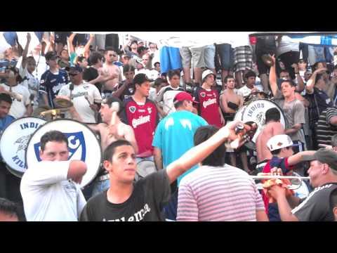 """indios kilmes VENGO DE UN BARRIO CERVECERO!!.mp4"" Barra: Indios Kilmes • Club: Quilmes"