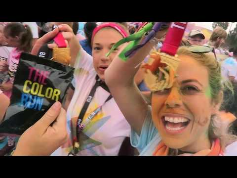 THE COLOR RUN - The Happiest 5k Marathon On The Planet! - ADVENTURES IN CURIOSITY VLOG