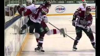 KHL Fight : Dinamo Riga vs Vitjaz