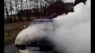 preview picture of video 'Palenie gumy Mazda 323f Pasym'