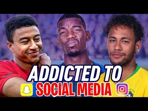 Footballers Who Are ADDICTED To Social Media!